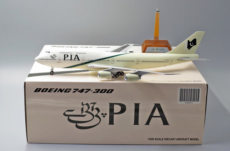 PIA - Boeing 747-300 (JC Wings 1:200)