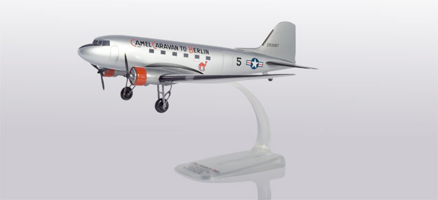 US Air Force - Douglas C-47A Skytrain (Herpa Snap-Fit 1:100)