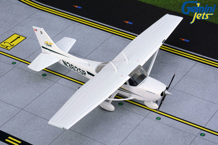 Private - Cessna 172 (GeminiJets 1:72)