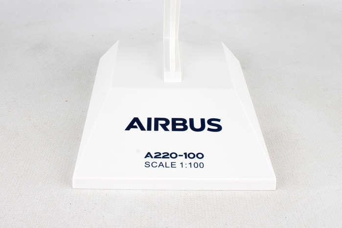 Skymarks AIRBUS HOUSE A220-100 1//100 SKR957