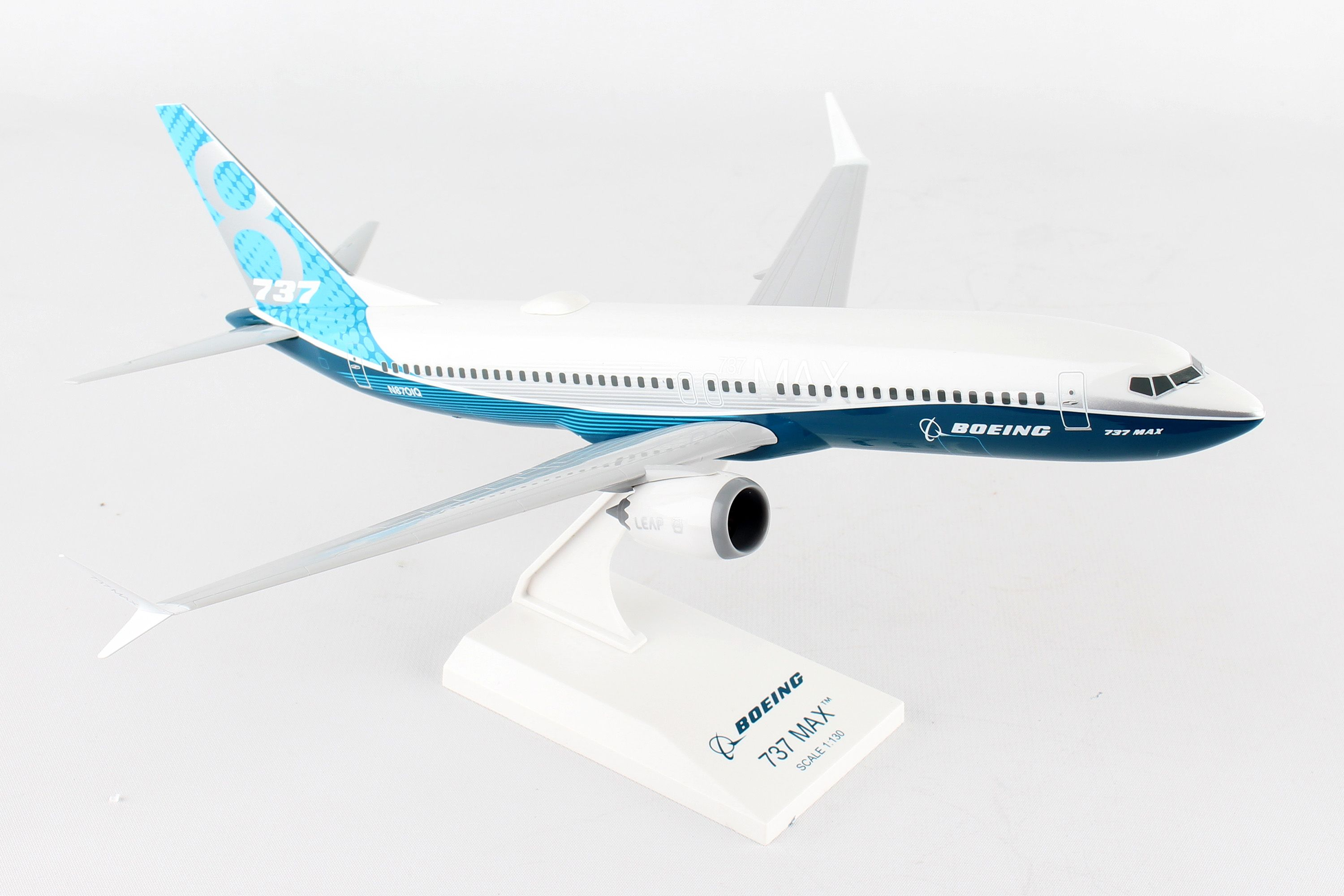 Herpa Wings 1 /_ 500 ng boeing House Colours b717