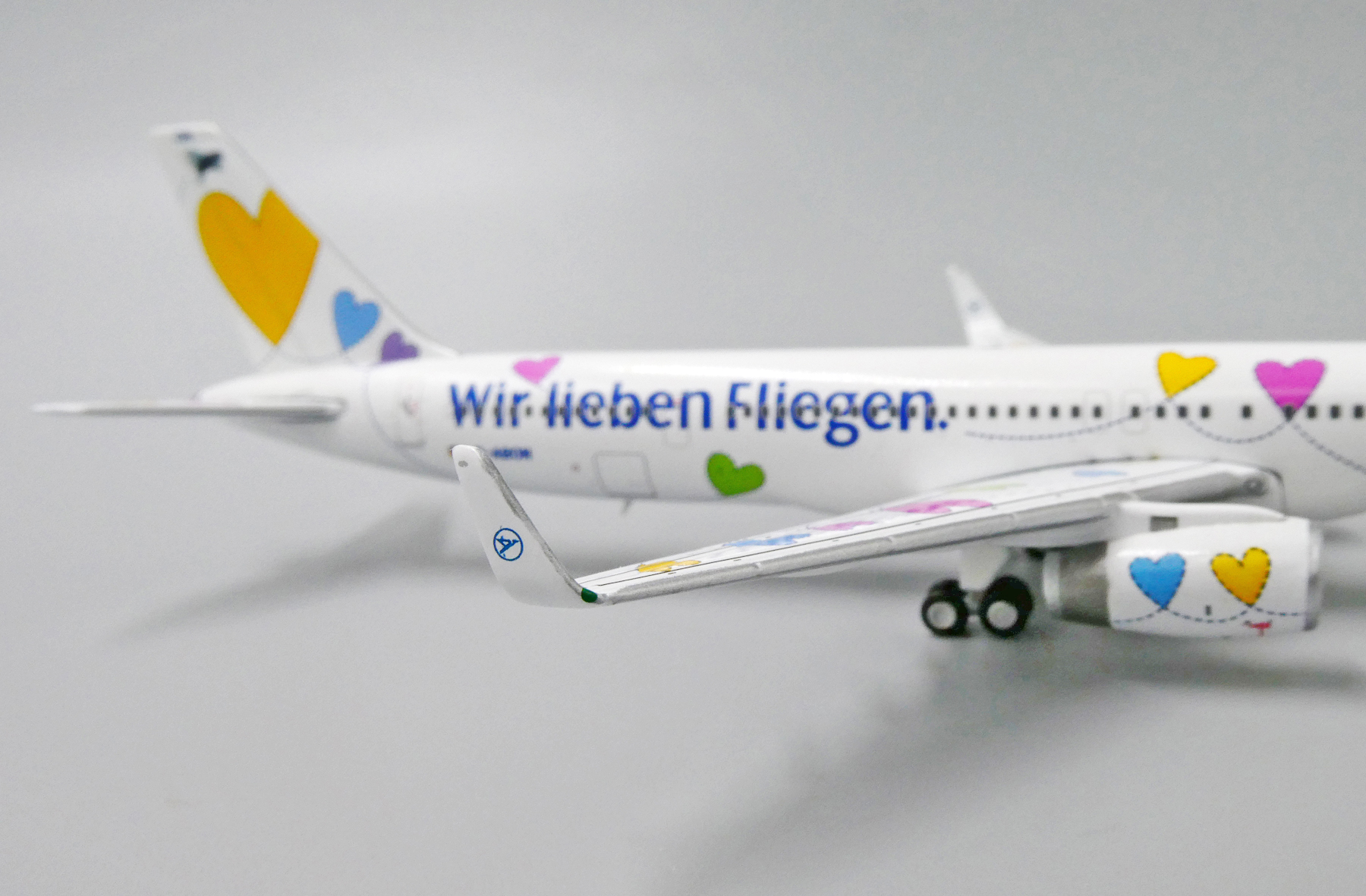 JC Wings JCW4154 1:400 Condor Boeing 757-300 pre-Painted//pre-Built W Reg #D-ABON Wir lieben Fliegen Livery