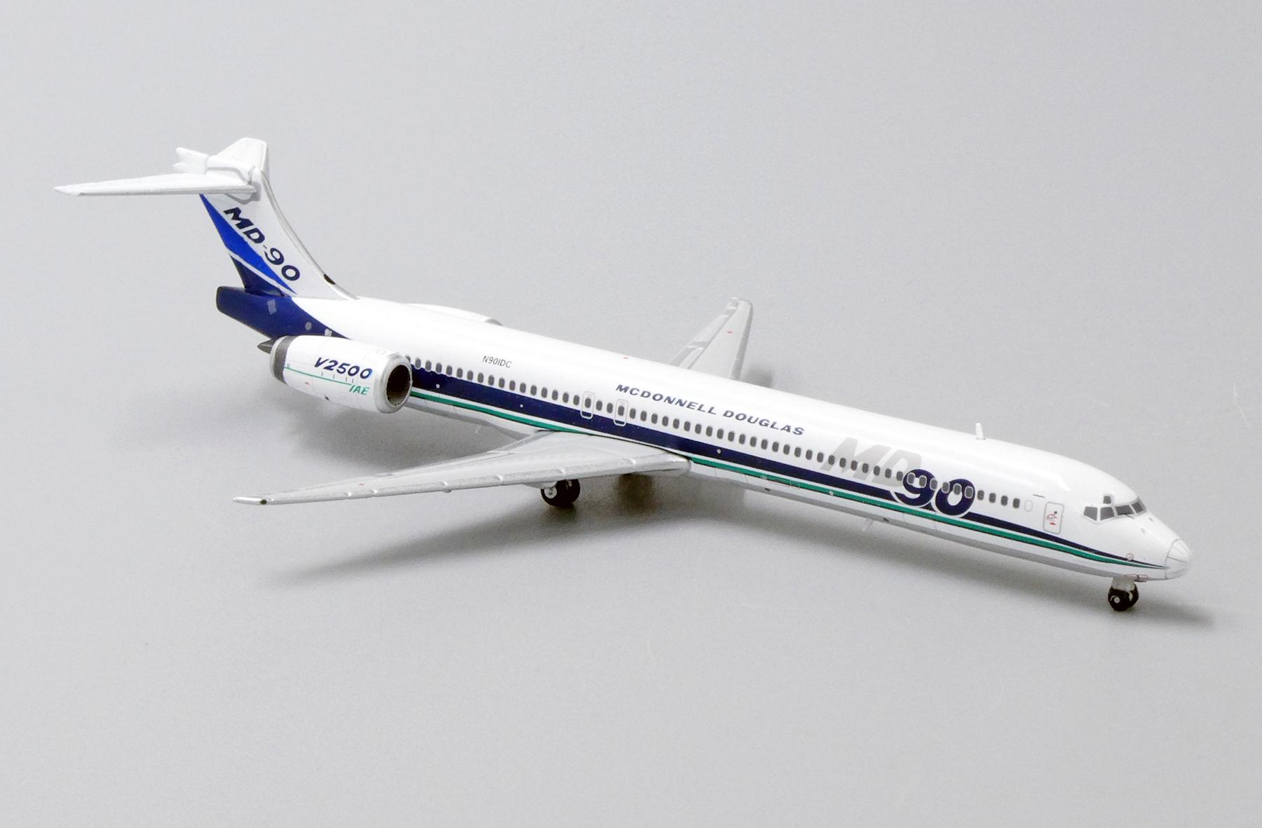 McDonnell Douglas MD-90-1:200 MD90 Flight Miniatures Saudi Arabian Airlines