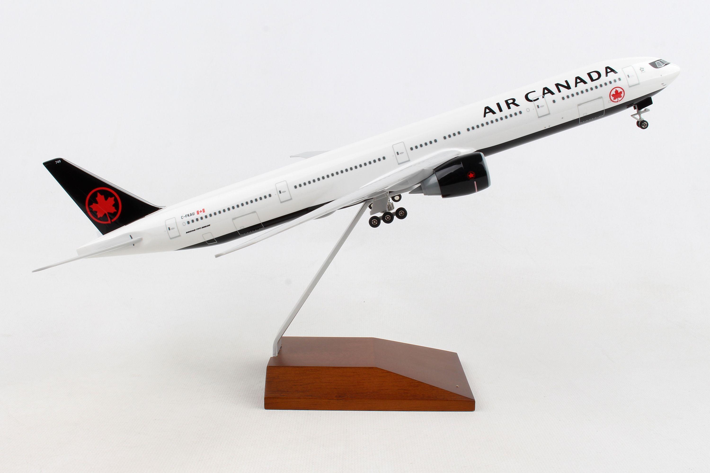 Boeing 737-800 Sun Country Skymarks Model